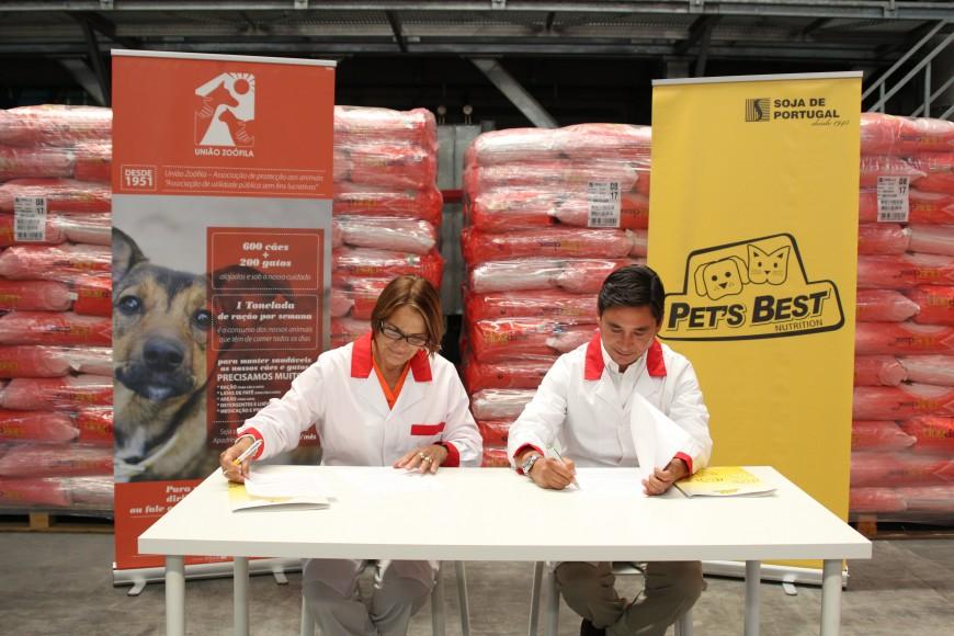 PETS BEST formaliza protocolo com a União Zoófila para a doação de mais de 4 toneladas de ração por mês